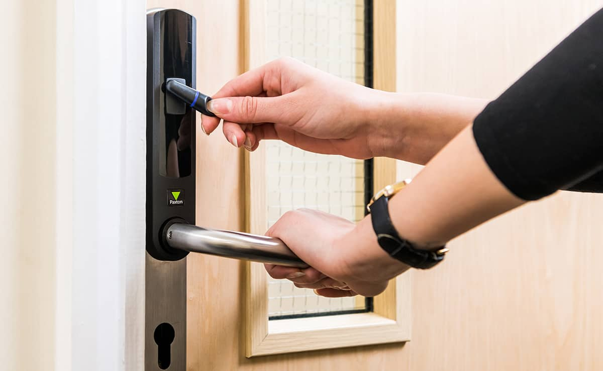 Using access control point and opening door